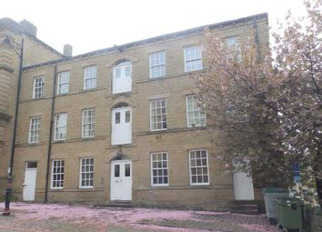 2 bed flat to rent in Station Road, Batley WF17