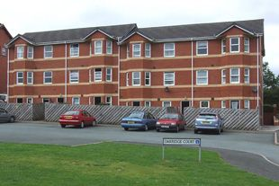 Thumbnail 2 bed flat to rent in Flat 22 Oakridge Court, Wellington Road, Llandrindod Wells, Powys