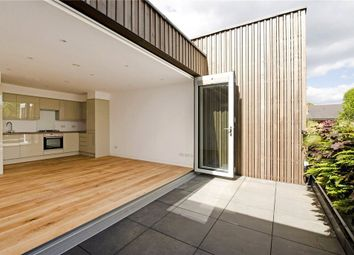 Thumbnail 2 bed town house to rent in Southgate Grove, De Beauvoir Town, London