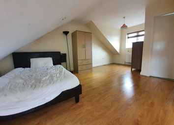 Thumbnail 3 bed duplex to rent in Settle Street, Whitechapel