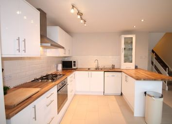 Thumbnail 4 bed property to rent in The Avenue, Beckenham