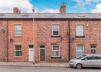 4 bed property to rent in Oakley Street, Thorpe, Wakefield WF3