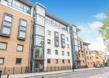 2 bed flat for sale in Deanery Road, Bristol BS1