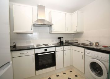 Thumbnail 2 bedroom flat to rent in Commonwealth Drive, Crawley