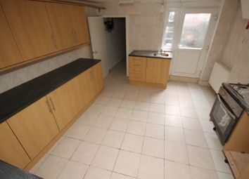 Thumbnail 5 bedroom terraced house to rent in Raven Road, Hyde Park, Leeds