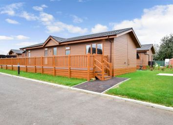 Wateringbury Road, East Malling, Kent ME19. 2 bed mobile/park home for sale