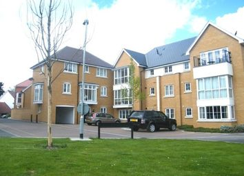 1 bed flat to rent in Lambourne Chase, Great Baddow, Chelmsford CM2