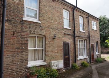 Thumbnail 1 bed flat to rent in 76 Chaucer Road, Bedford