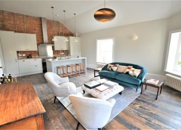 Thumbnail 2 bedroom flat for sale in High Street, Stamford