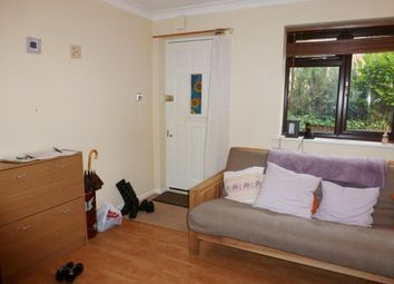 1 bed property to rent in Cairnside, High Wycombe HP13