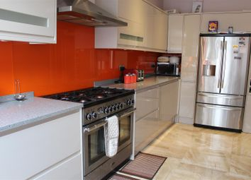Thumbnail 5 bed property to rent in Linley Road, London