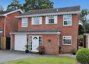 Thumbnail 4 bedroom detached house for sale in Chiltern Close, Newbury