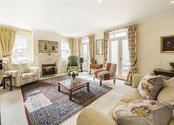 3 bed maisonette for sale in Dilke Street, London SW3