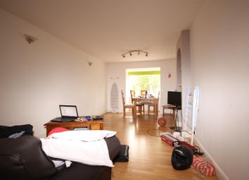 Thumbnail 1 bed flat for sale in Kingfisher Way, London