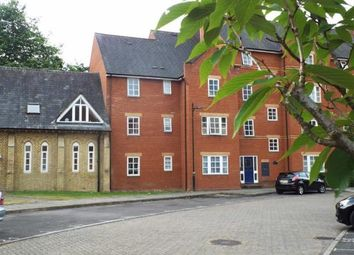Thumbnail Flat to rent in Bennett Crescent, Cowley