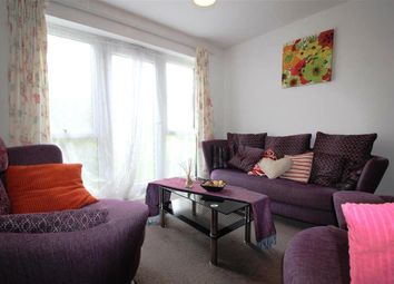 Thumbnail 2 bed flat to rent in Riseley Road, Maidenhead, Berkshire