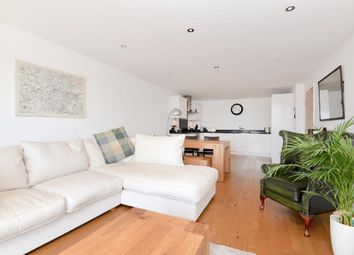 Thumbnail 2 bedroom flat for sale in Chatham House, Newbury
