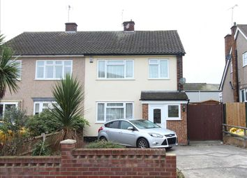 Thumbnail Room to rent in Wyburns Avenue, Rayleigh