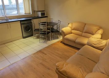 Thumbnail 3 bedroom flat to rent in Litcham Close, Manchester