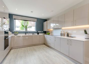 5 bed property for sale in Browning Avenue, Ealing W7