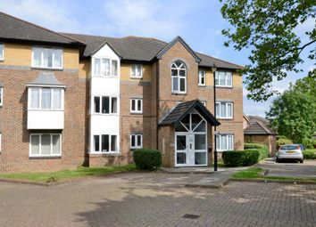 1 bed flat to rent in Cotswold Way, Worcester Park, Surrey KT4