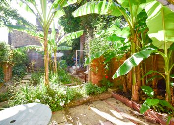 Thumbnail 2 bed flat to rent in Albion Road, Stoke Newington Green, Hackney