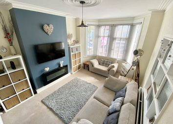 Northview Drive, Westcliff-On-Sea SS0. 3 bed terraced house