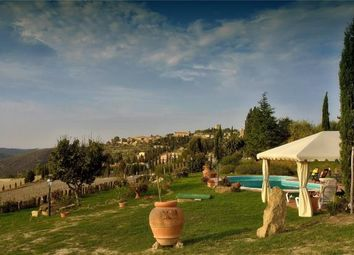 Thumbnail 6 bed farmhouse for sale in Villa Tamara, Pienza, Siena, Tuscany