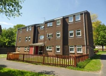 Thumbnail 2 bedroom flat to rent in Springwood Avenue, Waterlooville