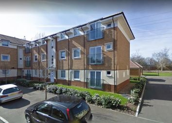 Thumbnail 2 bedroom flat for sale in Eddington Crescent, Welwyn Garden City
