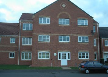 Thumbnail 2 bed flat to rent in Sannders Crescent, Tipton