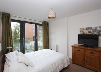 Thumbnail 1 bedroom flat to rent in Maple Quays, Canada Water