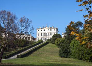 Thumbnail Villa for sale in Via Della Vittoria, Vicenza, Veneto, Italy