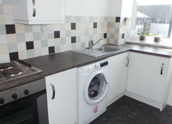Thumbnail 1 bed flat to rent in Bishopsfield Road, Fareham