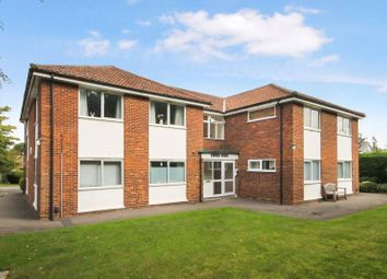 Lower Road, Bookham, Leatherhead KT23. 1 bed flat