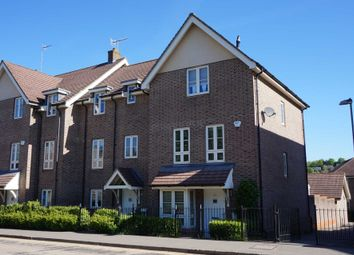 Thumbnail 5 bedroom town house to rent in Gossoms End, Berkhamsted