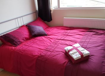 Thumbnail 4 bed shared accommodation to rent in 17 Cross Roads, Bradford