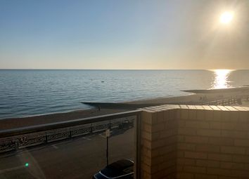 2 bed flat for sale in Bath Court, Kings Esplanade, Hove. BN3