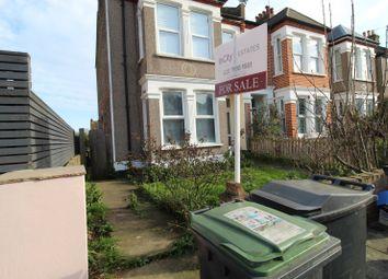 3 bed flat for sale in Ardgowan Road, London SE6