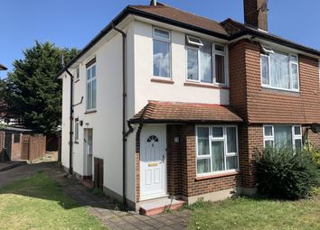 2 bed maisonette to rent in Broadmead Road, Woodford Green IG8