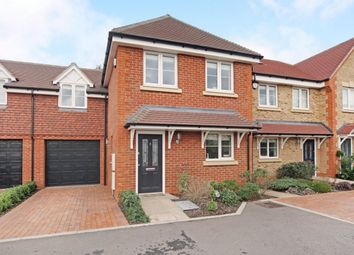 Thumbnail 4 bed property to rent in Woodbury Close, Maidenhead