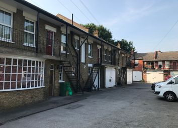 Thumbnail 2 bed flat to rent in Coombe Avenue, Croydon