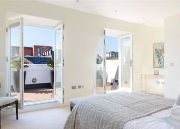 Thumbnail 4 bed flat for sale in Flood Street, Chelsea, London