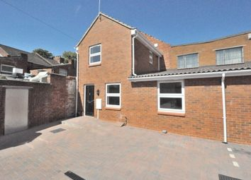 Thumbnail 2 bed property to rent in Oakley Street, Northampton
