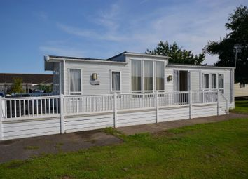 Thumbnail 2 bed mobile/park home for sale in London Road, Clacton-On-Sea