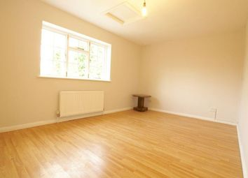 Thumbnail 3 bed flat to rent in Burnham Green Road, Welwyn