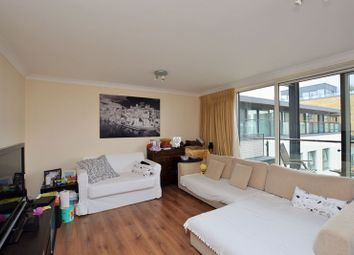Boardwalk Place, Canary Wharf E14. 3 bed flat