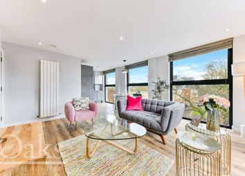 Thumbnail 1 bed flat for sale in Admiral Court, Croydon, Surrey