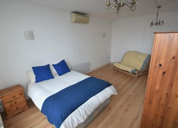 Room to rent in The Canalside, Gunwharf Quays, Portsmouth PO1