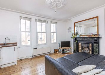 3 bed flat to rent in Landor Road, London SW9